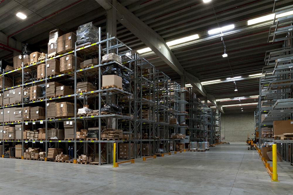 Con l'illuminazione a LED la logistica diventa sostenibile.